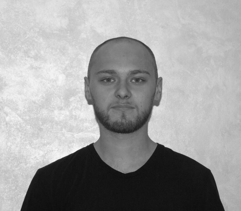 Алексей барбер барбершопа TRUEMAN